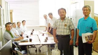 川村貞夫議員、浜田英宏会長